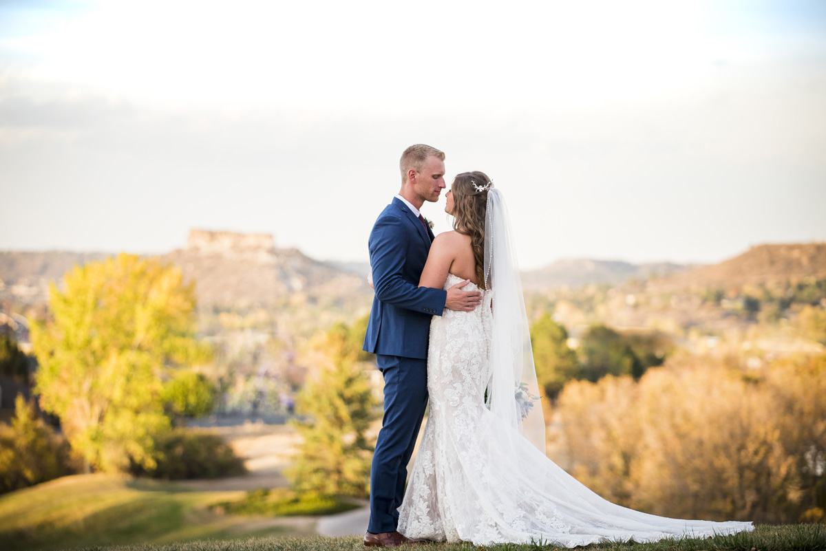 October Wedding on Stunning Golf Course in Castle Rock, Colorado